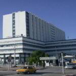 تعزيزات أمنية مُشددة وغلق جميع المنافذ المؤدية للمستشفى العسكري