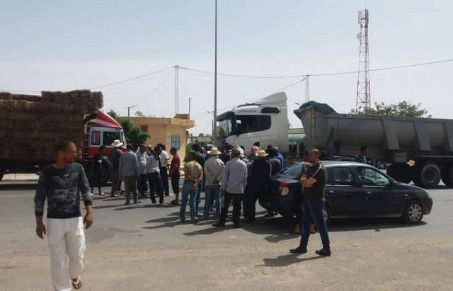أزمة الماء تتواصل: غلق الطريق الرابطة بين قفصة وقابس