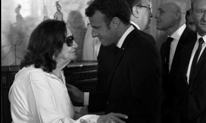 ماكرون يعزي الشعب التونسي وعائلة أرملة الرئيس الراحل