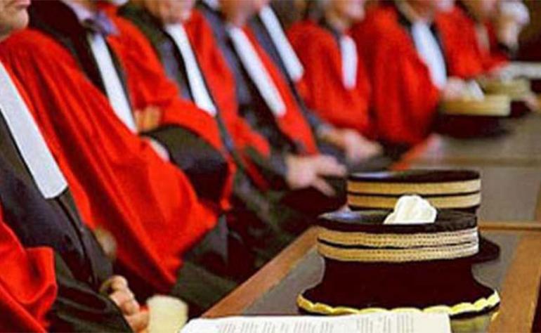 الاعتداء على محامين : المجلس الأعلى للقضاء على الخط