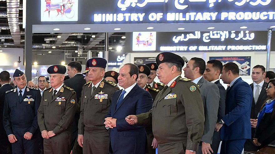 السيسي: شركات الجيش ستدخل بورصة مصر