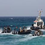 انهاء اجراءات عودة 17 بحارا تونسيا محتجزين بليبيا