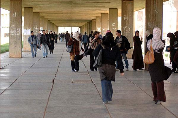 الجزائر تٌجمد بصفة فورية التربصات الجامعية في تونس