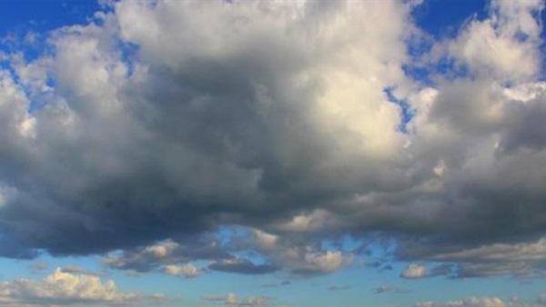 طقس اليوم: سحب عابرة واستقرار في درجات الحرارة