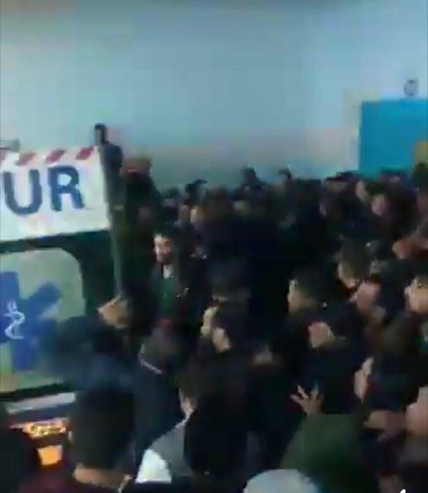 فيديو : احتقان بشارل نيكول والمئات يتوافدون على المستشفى