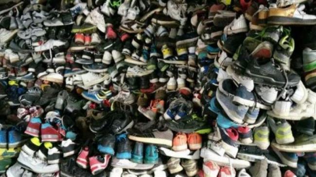 وكالة الرقابة الصحية تُحذرّ من مواد خطيرة بالأحذية المستعملة