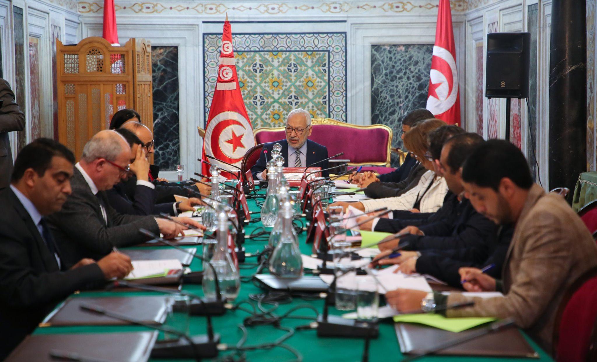 مكتب البرلمان يناقش الوضع بليبيا ويُحيل الملفّ إلى لجنة الأمن والدفاع