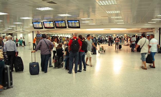 """فيروس """"كورونا"""": تونس تضع كاميراوات قيس الحرارة عن بُعد بمطار قرطاج"""