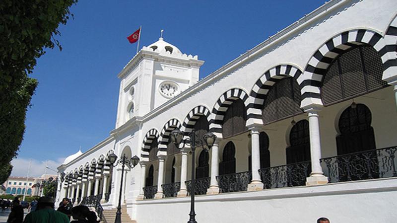 نقابة موظفي وزارة المالية تتّهم شلغوم بالاعتداء على أعوان وتطالبه بالاعتذار
