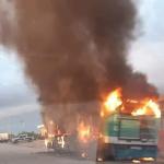 صفاقس: احتراق حافلة بالكامل لحظات بعد نزول تلاميذ منها (فيديو)