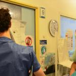 فرنسا: وزير الصحة يُعلن وفاة أول طبيب بكورونا ويرفض الكشف عن هويته