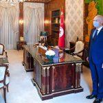 سعيّد يُشدّد على التسريع في إجلاء التونسيين العالقين بالخارج