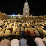 ديوان الإفتاء: اقامة صلاتي التراويح والعيد بالبيت
