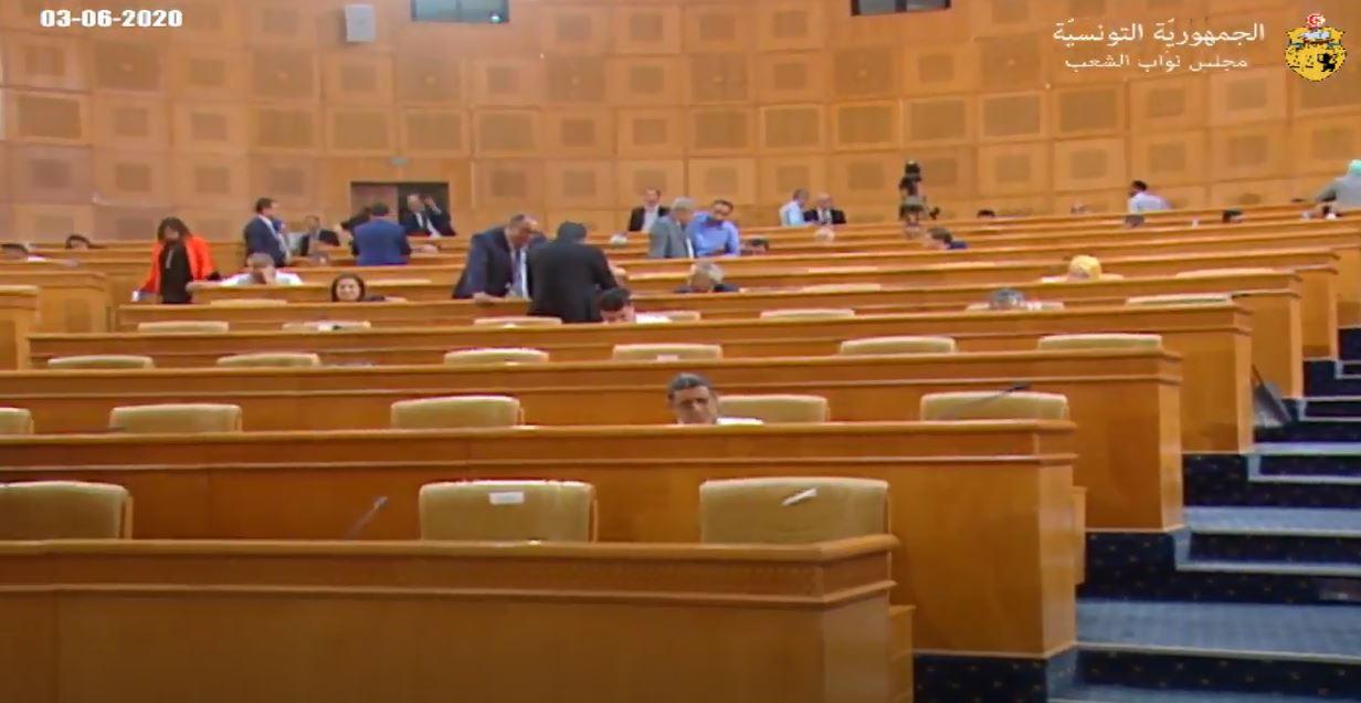 انسحاب عدد من النواب مع تلاوة لائحة رفض التدخل بليبيا