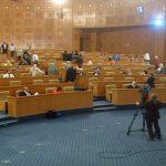 """فوضى تسببت في تعليق الجلسة: """"عركة"""" على التوقيت والجزيري يدعو لثورة على البرلمان"""
