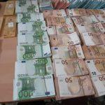 الصخيرة: إيقاف سيارة ليبيّة وحجز 28 كلغ من الذهب و1,7 مليون دينار (صور)