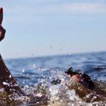 شاطئ بوجعفر: مصرع شاب غرقا وانقاذ شيخ من الموت