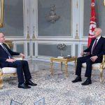 العلاقات بين الحكومة والبرلمان محور لقاء سعيّد بالفخفاح
