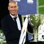 زيدان يثير الجدل بشأن مستقبله مع ريال مدريد