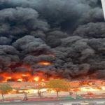 الإمارات: حريق هائل يلتهم محلات سوق شعبية (فيديو)