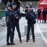 """باريس: إصابة 4 أشخاص في عمليّة طعن قُرب مقرّ مجلة """"شارلي إبدو"""" السابق"""