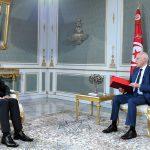 مصدر من رئاسة الحكومة: المشيشي قرّر رفض تصوير أيّة مقابلة فيها إساءة لصورة الدولة