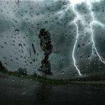 طقس اليوم: انخفاض في درجات الحرارة مع رياح قوية وأمطار رعدية
