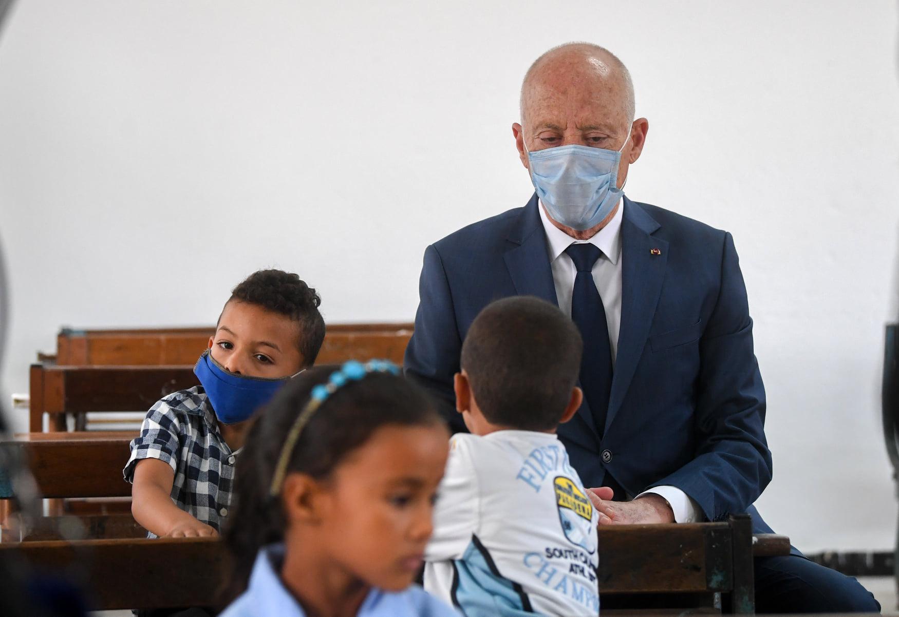 صور: قيس سعيّد يزور مدرسة الشهيدة مها القضقاضي بفرنانة