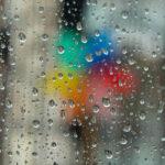 طقس اليوم: انخفاض طفيف في درجات الحرارة وأمطار