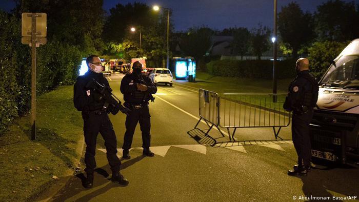 جريمة قطع رأس أستاذ بباريس: القاتل طلب من التلاميذ إرشاده الى ضحيته