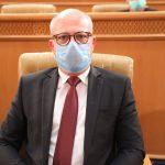نبيل حجّي يدعو لإقالة كاتب عام وزارة الرياضة ويُطالب البرلمان بمقاضاته