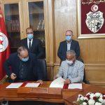 الإتحاد وصفه بالتاريخي: إمضاء اتفاق تسوية وضعيات عمّال الحضائر