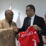 رغم تسريبات bbc: الجامعة تنفي دعم أحمد أحمد لرئاسة الكاف