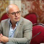نبيل حجي : على وزارة الخارجية التنسيق مع ايطاليا لحماية النائب مجدي كرباعي
