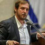 وزير السياحة الإسرائيلي يستقيل ويُؤكد: الدولة على وشك الانهيار التام !