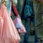نقابة صانعي ومُحوّلي البلاستيك ترفض تطبيق أمرا حكوميا يضبط أنواع أكياس يُمنع إنتاجها وتوزيعها بتونس