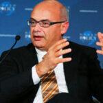 حكيم بن حمودة: في قانون المالية التكميلي مخاطر كبيرة.. المشاكل ستبدأ اليوم
