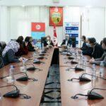 وزارة الصحّة: هبة من الهلال الأحمر للعاملين بالقطاع الصحّي