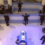 جثمان مارادونا يصل الى القصر الرئاسي