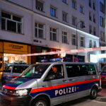 """وزير داخلية النمسا: مُنفذ هجوم فيينا """"ارهابي اسلامي"""""""