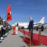 مرفوقا بـ4 وزراء: سعيّد يغادر الى قطر
