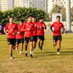 بعد تسجيل 17 إصابة بكورونا: المنتخب المصري ينفي طلب توفير طائرة خاصة للعودة من تونس