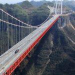 فيديو/ معجزة معمارية: الصين تفتتح أضخم جسر معلق في العالم بطول 1386 مترا