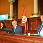 رئاسة البرلمان تدعو للتمسّك بالوحدة الوطنية  والترفّع عن النزاعات وعن ترذيل مؤسسات الدولة