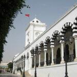 رئاسة الحكومة: لا حضور لمقرّات العمل إلاّ للضرورة وبتراخيص فردية