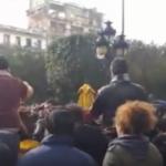 العاصمة: مُحتجّون بشارع الحبيب بورقيبة يُطالبون بإطلاق سراح الموقوفين /فيديو