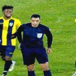 """حصل في مباراة النجم: لاعب المقاولون العرب """"يبصق"""" على الحكم"""