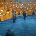 """عبير موسي تدخل الجلسة العامة بـ""""بوق"""" وتمنع انعقادها"""