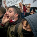 منظمة مناهضة التعذيب: اختطاف واحتجاز شاب شارك في الاحتجاجات بعد التشهير به من قبل نقابات أمنية
