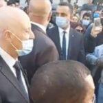 سعيّد يجوب شارع الحبيب بورقيبة بالعاصمة ومواطنون يطالبونه بحلّ البرلمان /فيديو